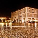Pioggia su piazza Saffi - Foto di Fedele Ruvio