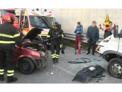 schianto in via Capanna:ferite gravi per il 46enne