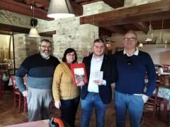 Bartocetti riceve una targa dalla Pro loco di Montecchio