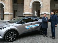 Consegnata al Comune una nuova auto ad alimentazione ibrida