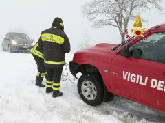 Neve: soccorso ad automobilista ad Arcevia da parte dei VVFF