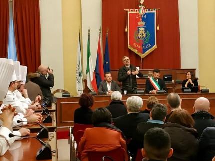 Premiazione in Comune per la terza stella Michelin ottenuta da Mauro Uliassi