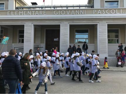 Gli alunni della Scuola Primaria Pascoli al Carnevale di Senigallia