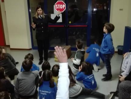 20190308-polizia-scuola