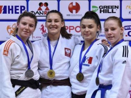 Carolina Mengucci (a sinistra) argento alla European Cup di Judo di Zagabria