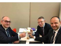 a sinistra, Massimo Bello, Vice Presidente; al centro, Paolo Meucci, Presidente.