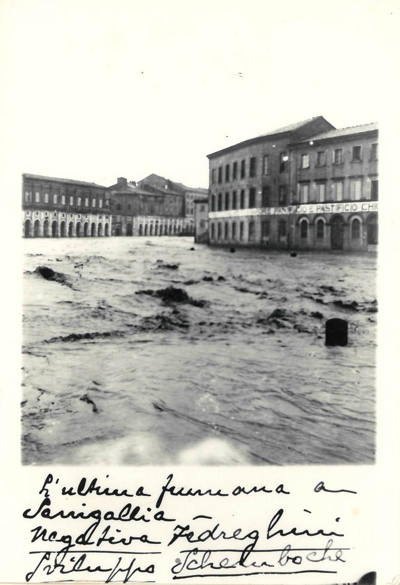 Senigallia, alluvione del 1897 - Archivio storico comunale, album 9 n 683