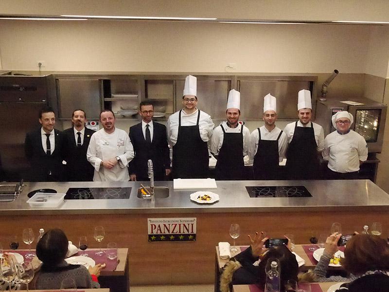 Staff del ristorante Fortino Napoleonico di Portonovo di Ancona