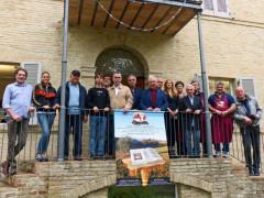 I protagonisti della mostra Agri Foto, pittore, fotografi e produttori delle tipicità enogastronomiche locali
