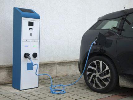 Colonna per auto elettrica