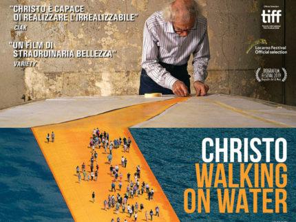 Christo - Walking on water, di Andrey Paounov