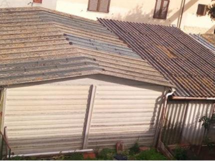Edifici con coperture di amianto in via Capanna