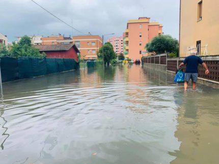 Via Cavalieri Vittorio Veneto allagata