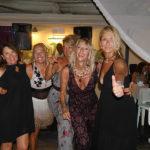 Ospiti alla festa per i 21 anni di attività del ristorante pizzeria Al Vicoletto da Michele a Senigallia