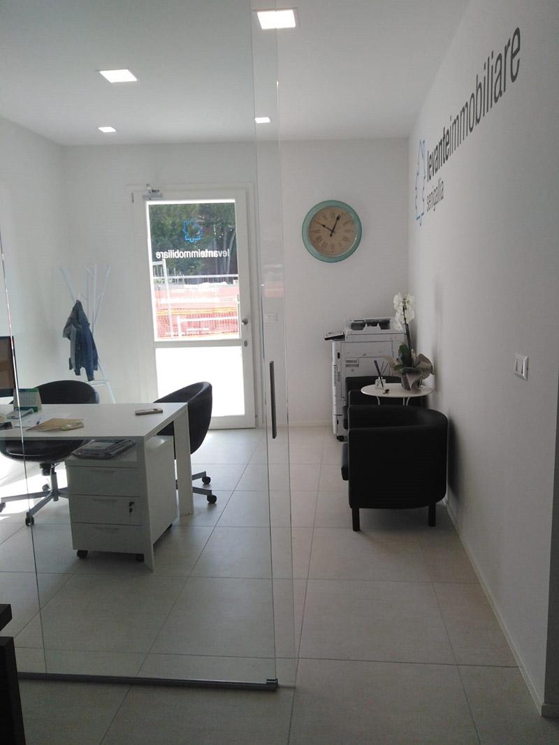 Levante Immobiliare - Nuova sede in via Mamiani a Senigallia - Interno uffici