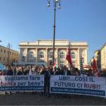 Manifestazione dipendenti Ubi a Pesaro