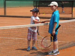 Due piccoli allievi del Senigallia Tennis Club