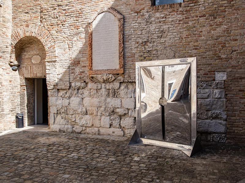 """Allestimento mostra """"Materie Prime"""" alla Rocca Roveresca di Senigallia - Foto Patrizia Lo Conte"""