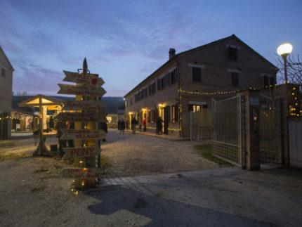 Caritas, villaggio di Natale