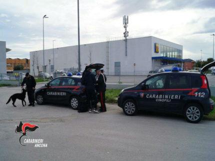 Controlli Carabinieri a Borgo Molino