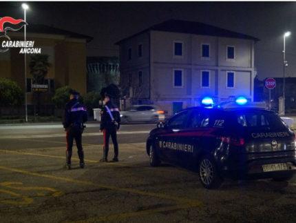 Controlli Carabinieri alla stazione ferroviaria