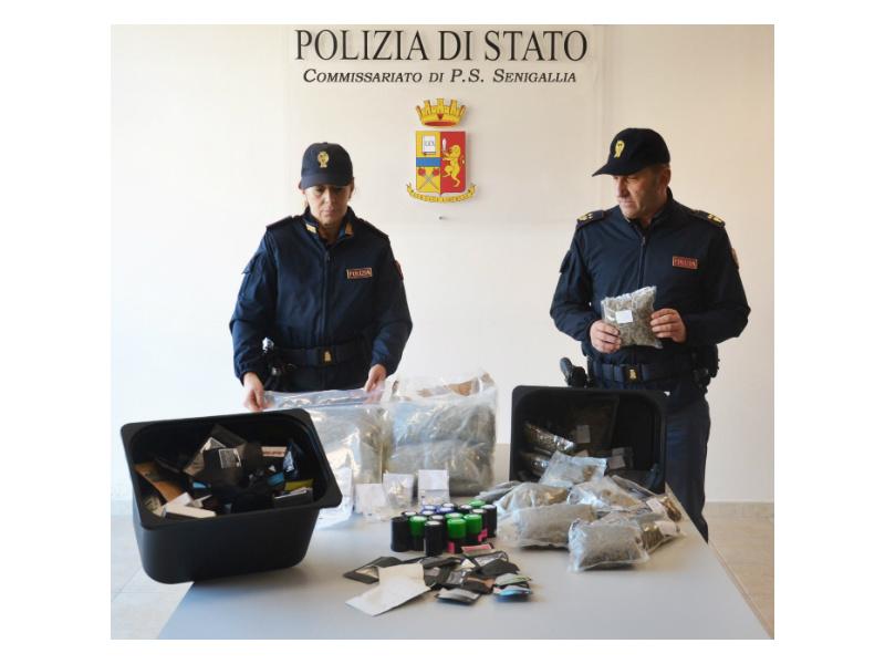 maxi sequestro di marijuana e cocaina
