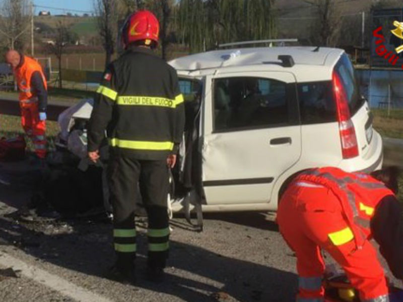 Incidente stradale a Ostra Vetere
