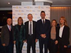 Il prof. Vilberto Stocchi (al centro) ospite del Rotary Club Senigallia