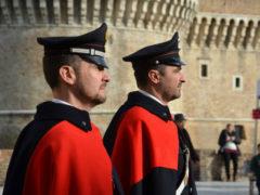 Carabinieri in mantella a Senigallia