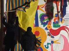 L'inaugurazione del murales realizzato dagli artisti di Lapsus alla scuola di Sant'Angelo