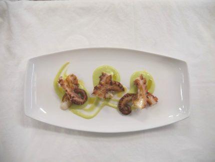 Polpo grigliato su crema di patata prezzemolata - ricetta ristorante AB - Alberto Berardi
