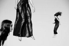 """Foto di Lorenzo Cicconi Massi dalla serie """"Le donne volanti"""""""