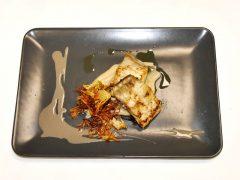 Ombrina arrostita, crema di pane, carciofi chips ed emulsione alla liquirizia