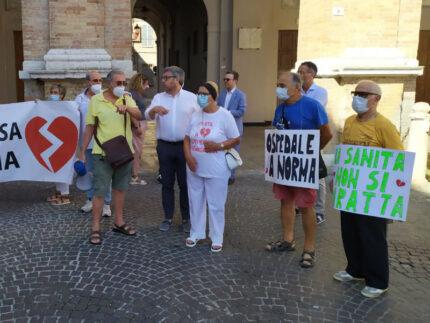 Manifestazione per l'ospedale