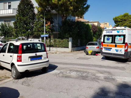 Incidente auto-scooter a Senigallia, tra via Venezia e via La Marca