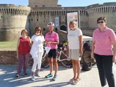 Si è concluso a Senigallia il giro d'Italia in bicicletta di Loretta Pavan