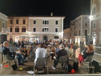 """Evento in piazza Roma sul """"Manifesto per le attività di vicinato"""""""