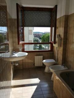 Appartamento in vendita a Senigallia, quartiere Saline: bagno - Annuncio Levante Immobiliare