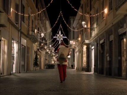 Un frame del video per gli auguri di Natale 2020 del Comune di Senigallia