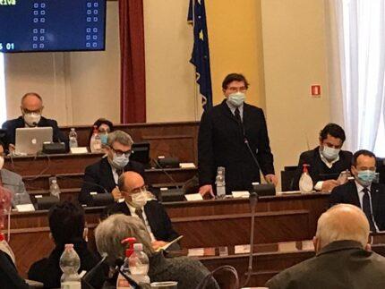 Dino Latini al Consiglio comunale di Senigallia