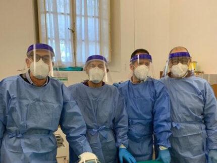 Equipe medica che ha curato la vaccinazione presso l'Opera Pia Mastai Ferretti