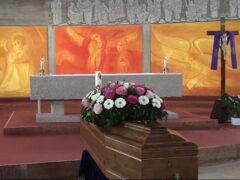 nella chiesa di Marzocca celebrato un funerale in diretta Facebook