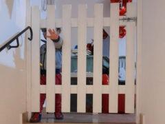 Bambino in struttura d'accoglienza Caritas di Senigallia
