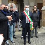 Il sindaco incontra i manifestanti