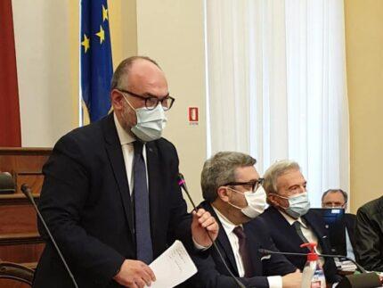 Massimo Bello durante la cerimonia per l'intitolazione dell'Aula Giuseppe Orciari