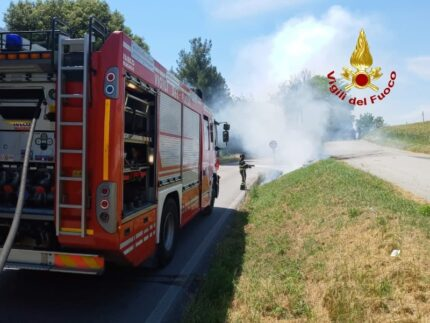 Incendio sulla Corinaldese
