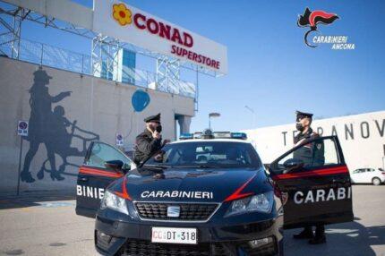 carabinieri al Conad