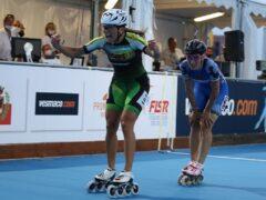 Gara di pattinaggio con la vittoria di Linda Rossi