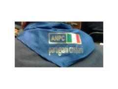 Consegna del fazzoletto dei partigiani ANPC