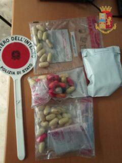 Ovuli di eroina rinvenuti dalla Polizia